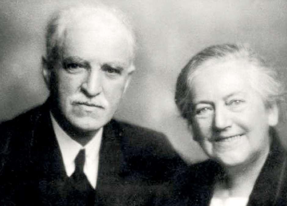 TB Barratt med hustru